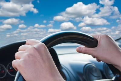 זיכוי נהג שהואשם בנהיגה רשלנית בגין טענת היעדר שליטה